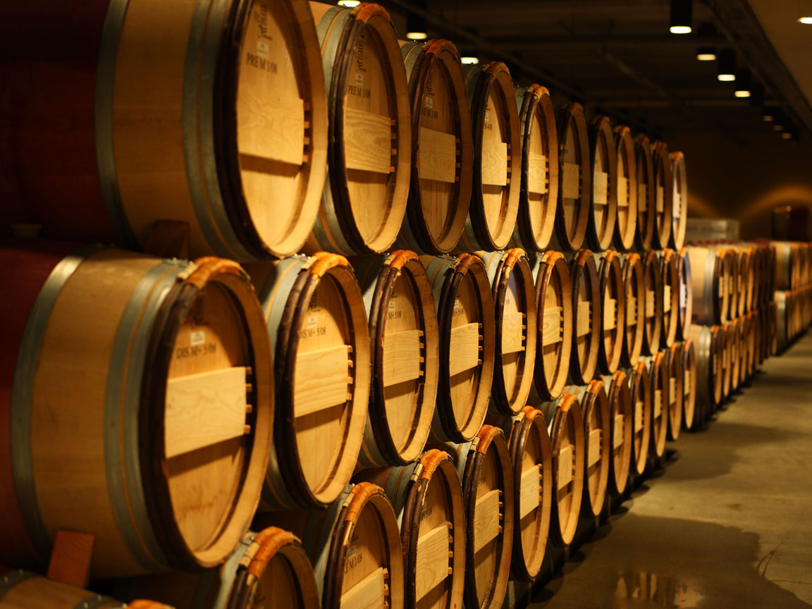 oak wine barrels. yun_8153 oak wine barrels a